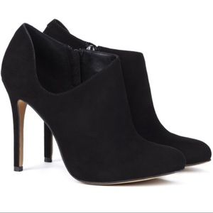 Sole Society Helena Black Suede Booties Size 8.5